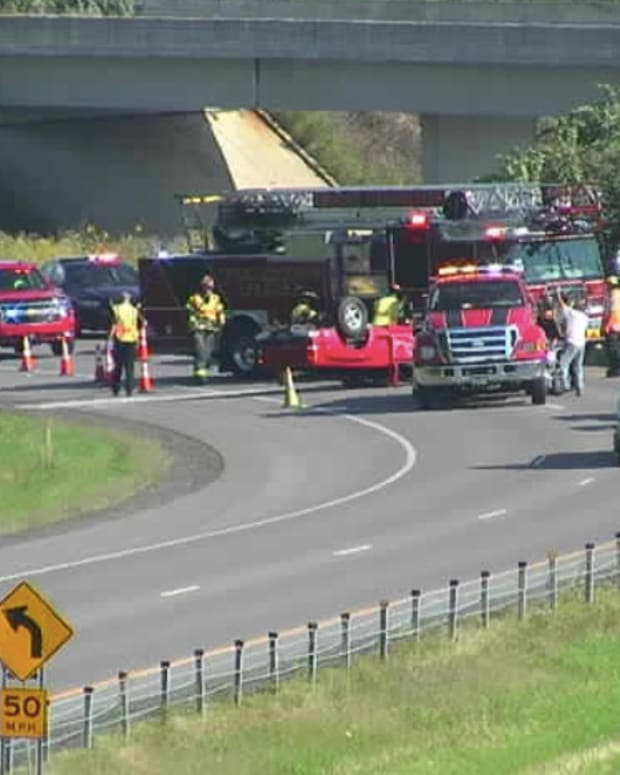 Tour buses crash in Twin Cities: 8 injured, 3 critical