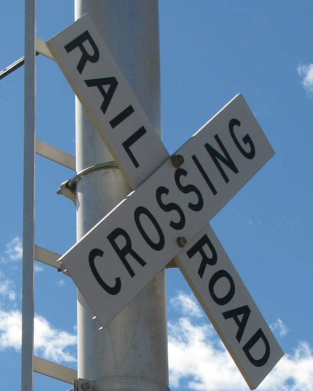 railroad crossing, train crossing