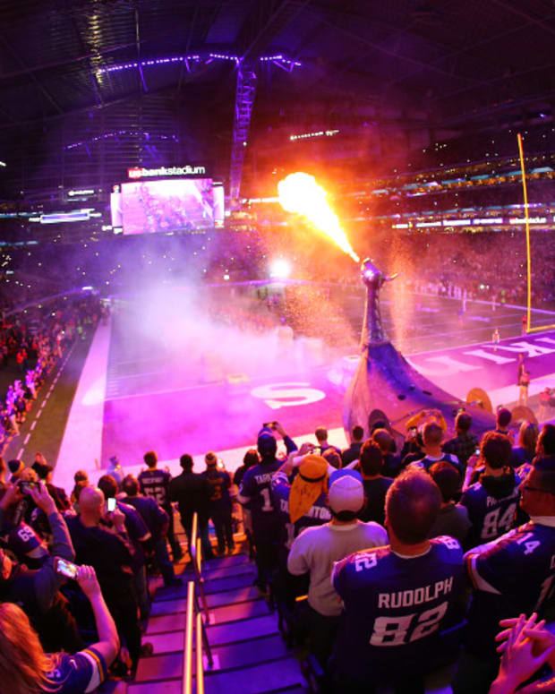 Vikings fans, U.S. Bank Stadium