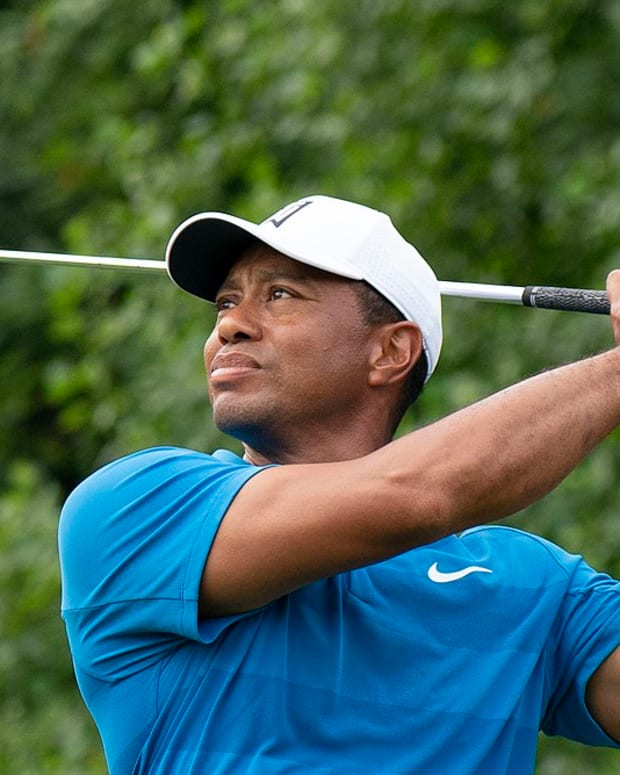 1024px-Tiger_Woods_(42998180042)