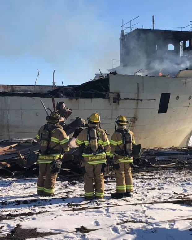 duluth ship fire