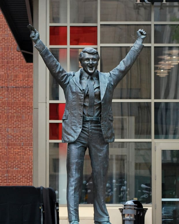 Herb Brooks statue