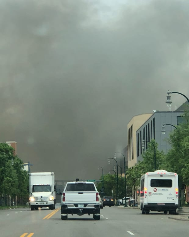smoke from riot fire in Minneapolis 5-29-2020