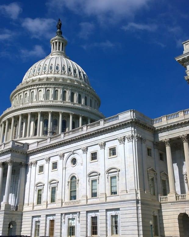united-states-capitol-1675540_1920