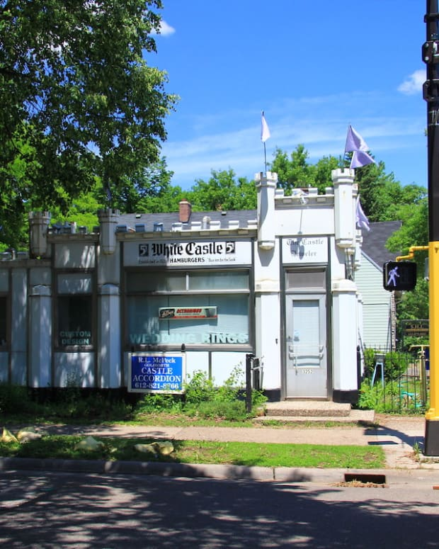 historic white castle minneapolis