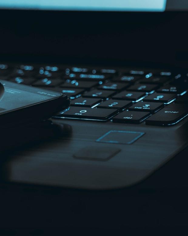 Pixabay laptop keyboard phone dark