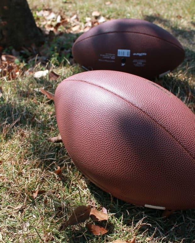 Pixabay - footballs stock