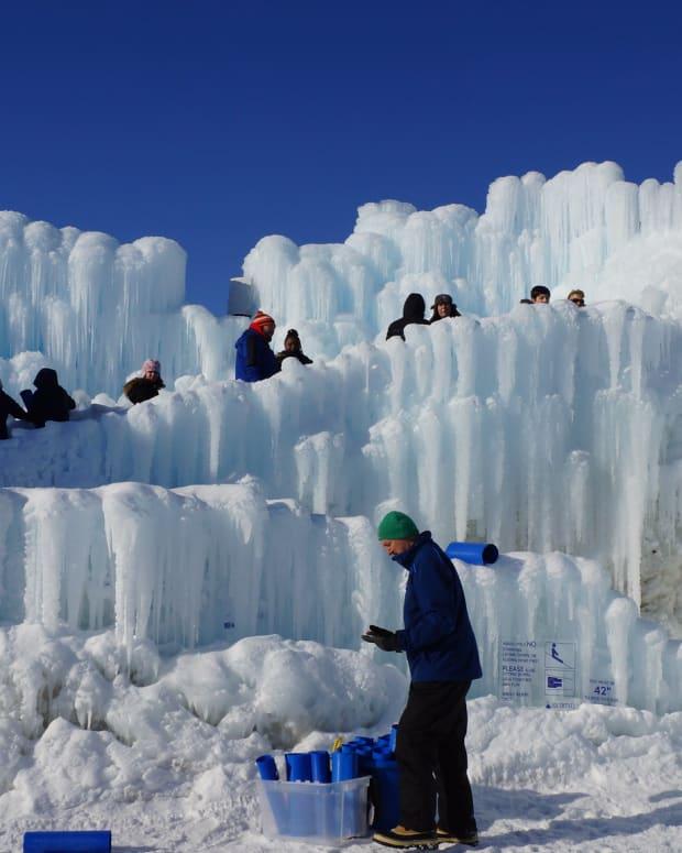 flickr ice castles new brighton 2020 - Greg Gjerdingen