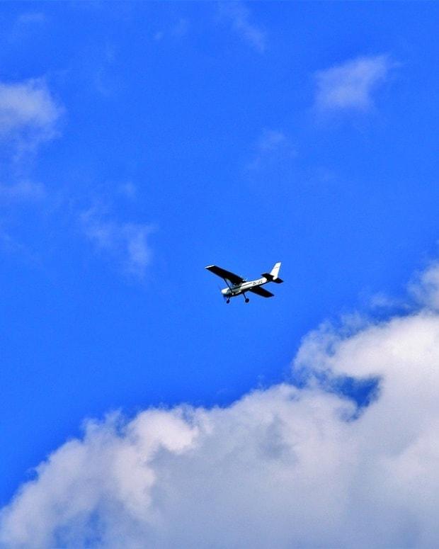 aircraft-2385194_1280