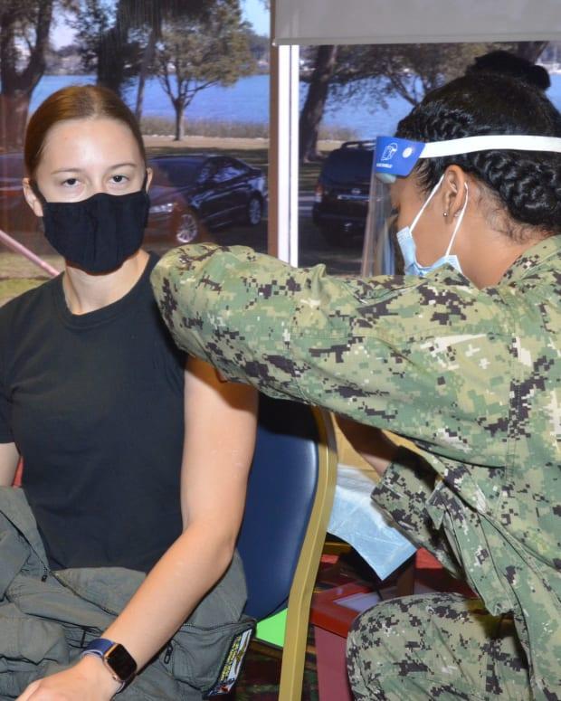 FLickr - covid vaccine - Navy Medicine