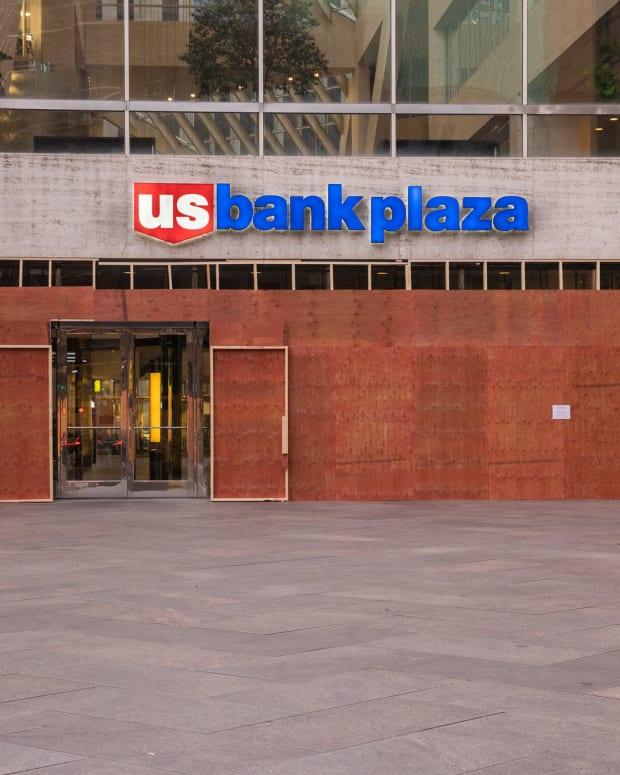 Flickr -  Bank Plaze Nov 2020 - Chad Davis