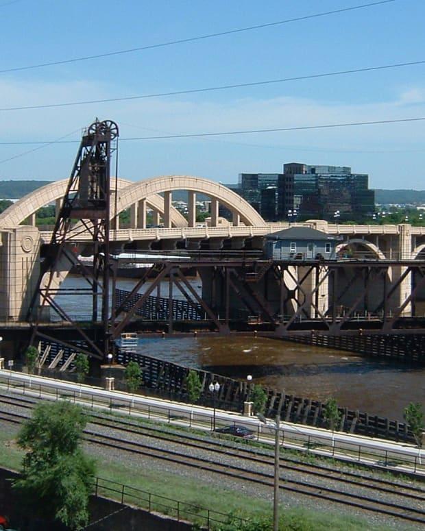 Robert Street Bridge on the Mississippi River in St. Paul