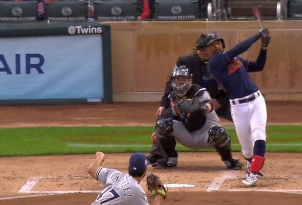 Twins' 6-game win streak snapped by Brewers' late homer