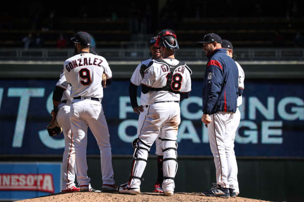 Pineda placed on the injured list, Twins call up lefty Smeltzer