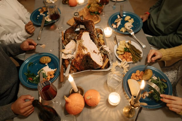 Health experts: Even after negative test, gathering for Thanksgiving is risky