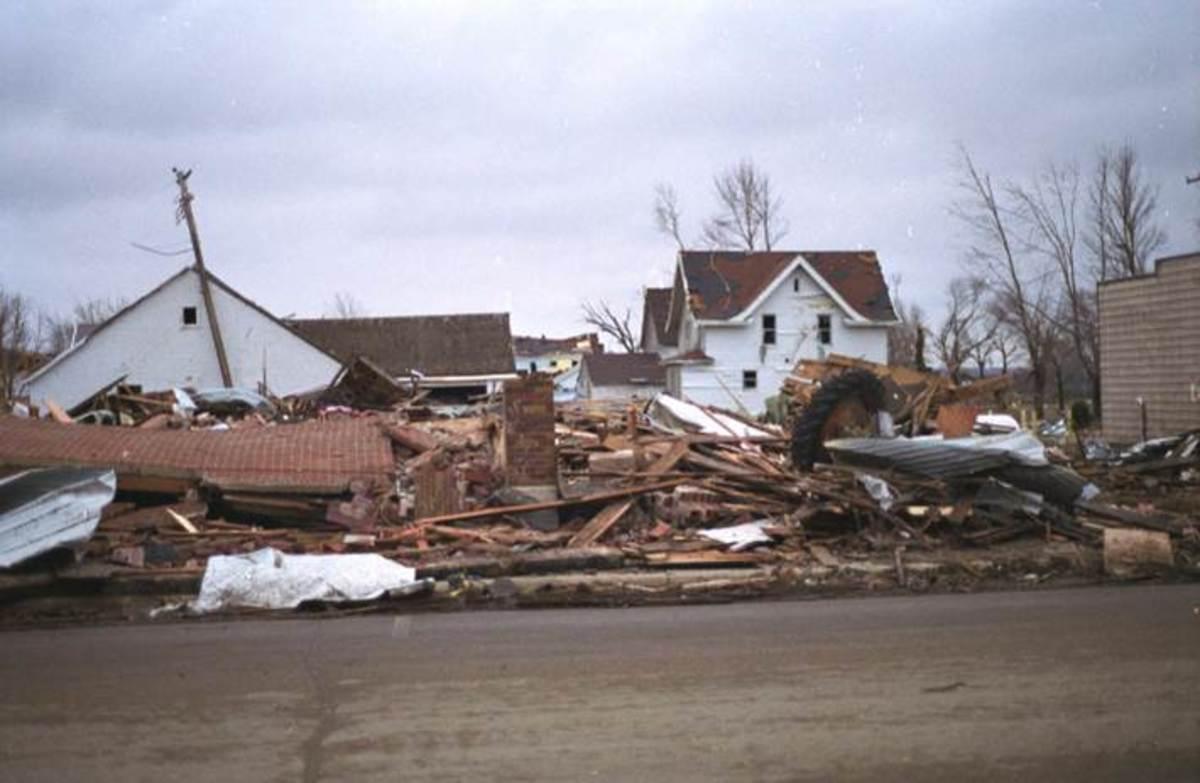 Comfrey tornado damage 1998