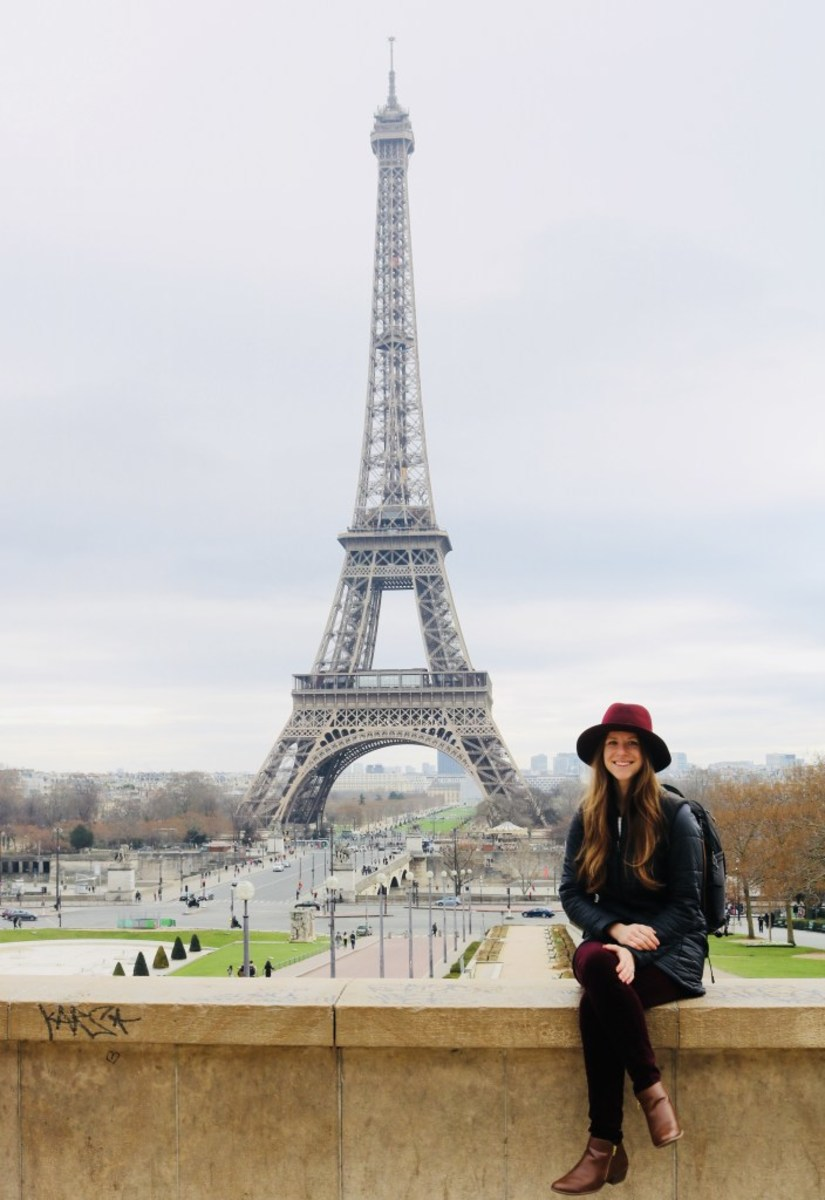 Ashlee at the Eiffel Tower.