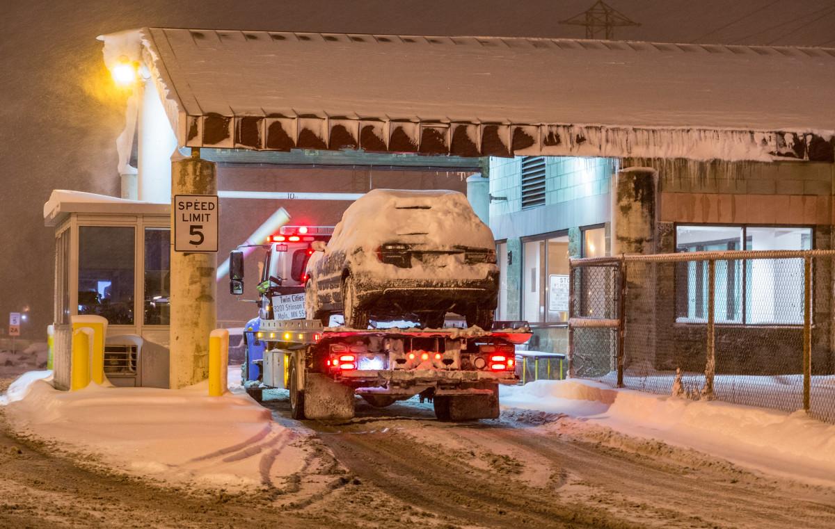 tow truck, snow emergency, Minneapolis