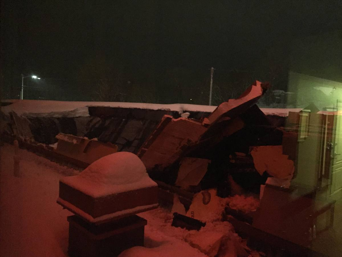 Snow Causes Roof Collapse At Winona Holiday Inn Express
