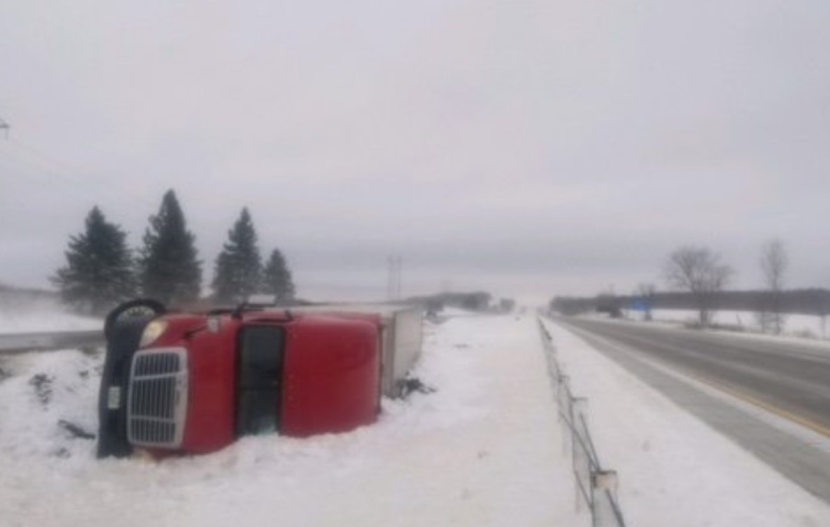 Whiteout conditions, drifting causing road closures near Twin Cities