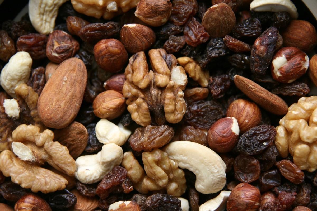 pixabay-nuts-trail-mix