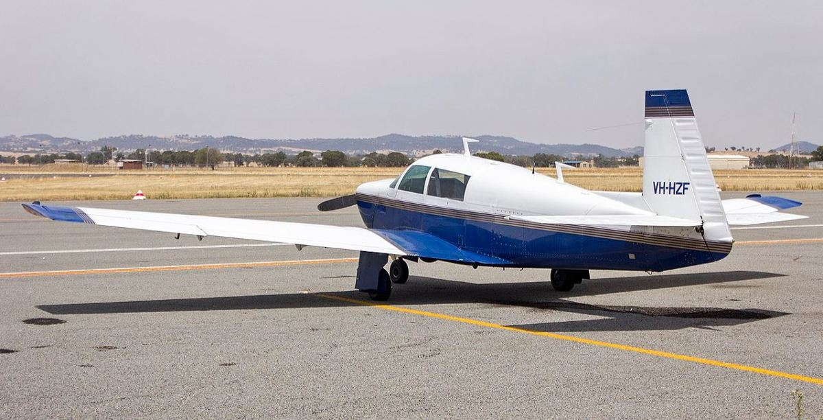An example of a Mooney M20J aircraft.