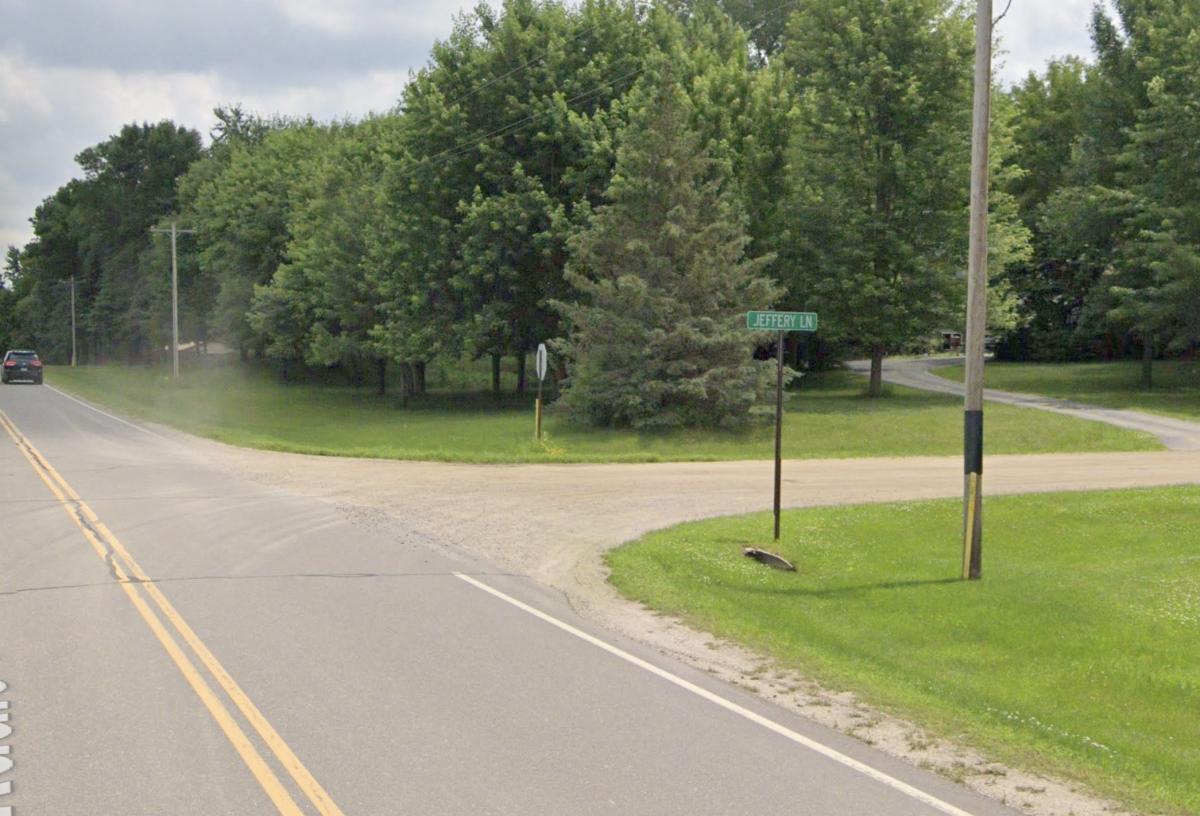 Approximate location of the crash on Oakdale Drive near Jeffrey Lane.