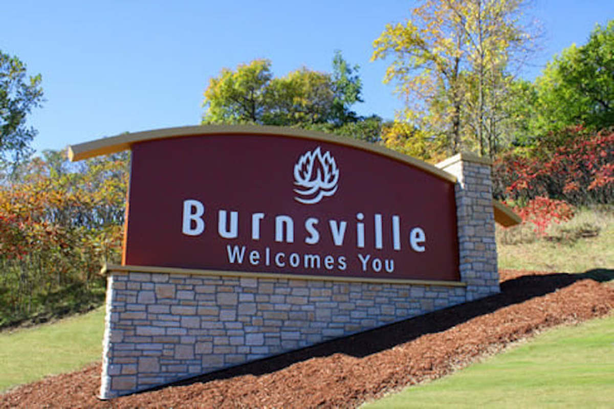 Burnsville welcome sign