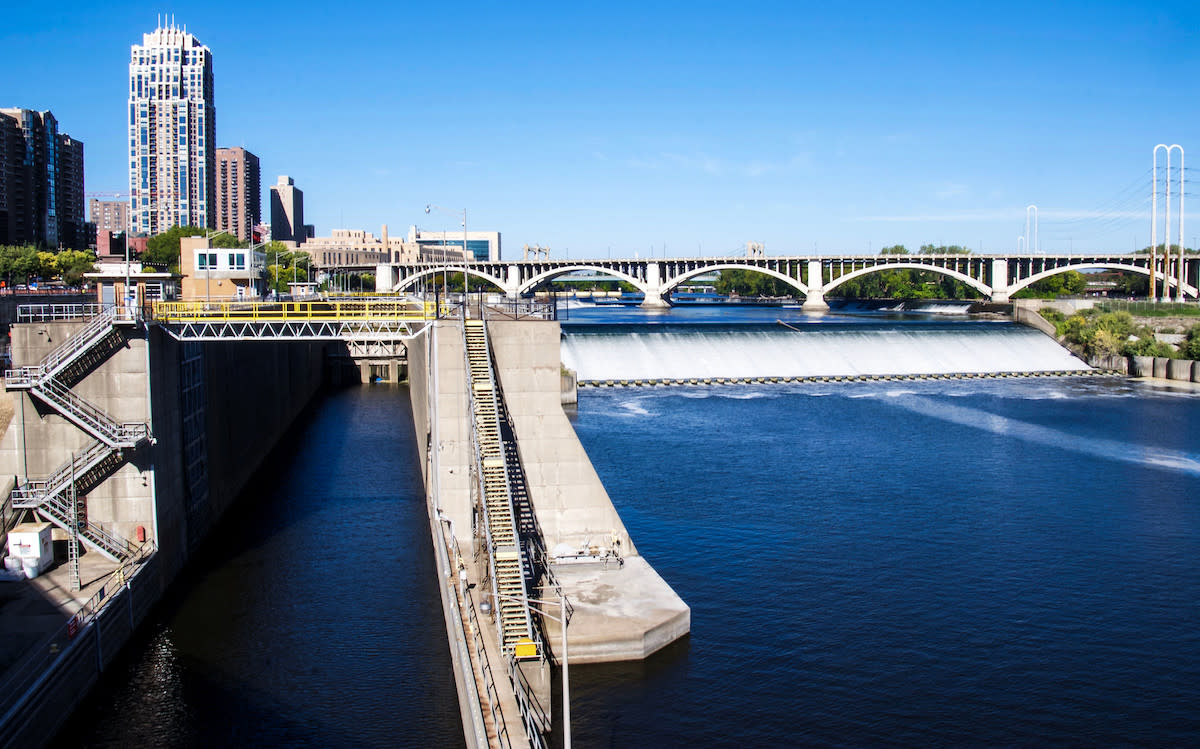 upper st. anthony falls lock and dam
