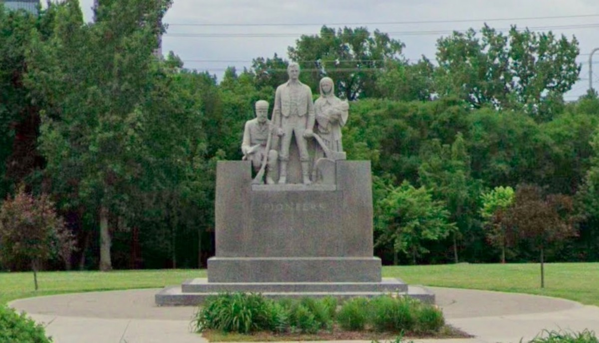 """The """"Pioneer Statue"""" monument at B.F. Nelson Park"""