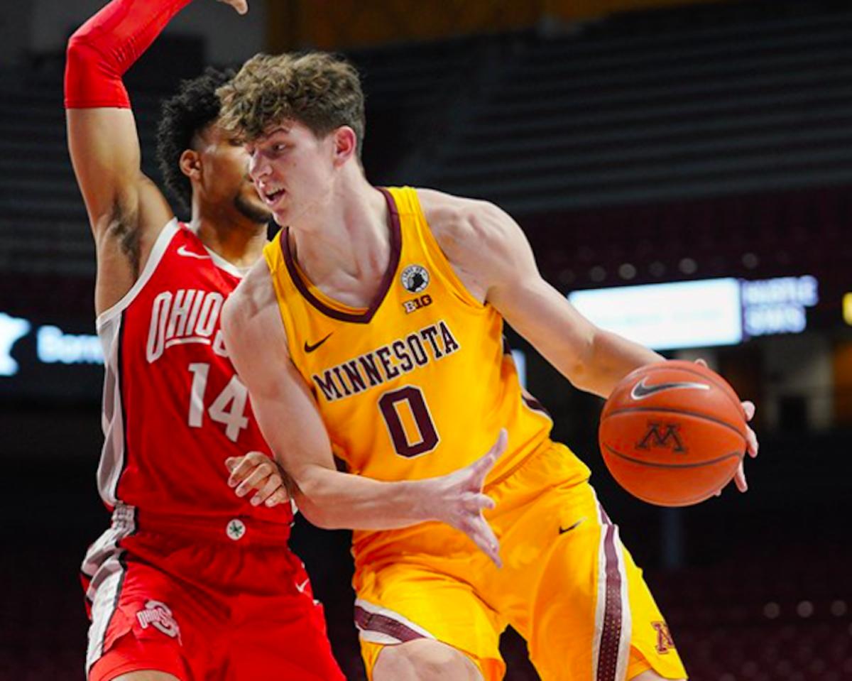 Gopher Basketball/Liam Robbins