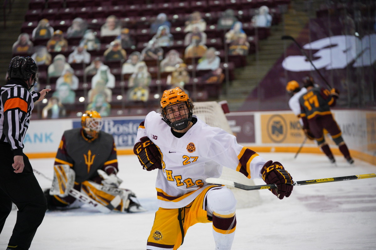 Gophers respond to drop in rankings with 10-goal outburst