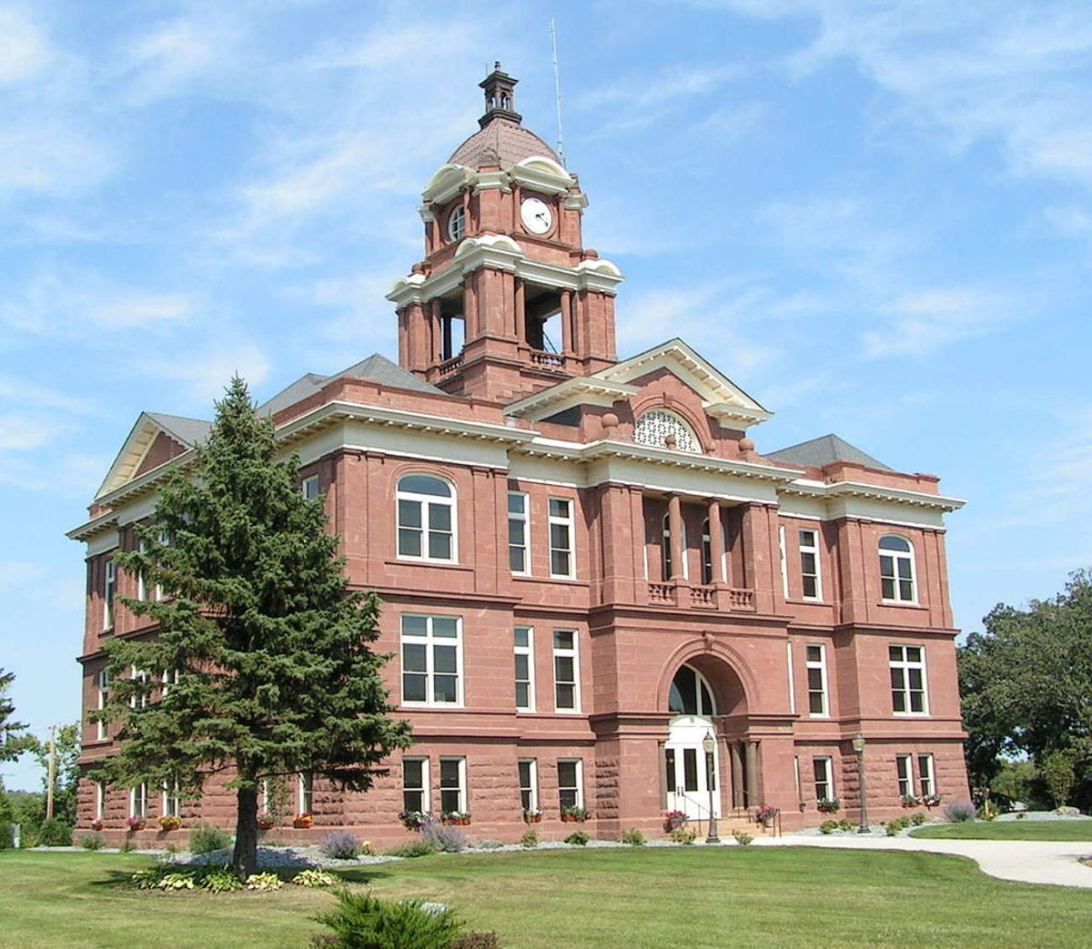 1024px-Grant_County_Courthouse_2012