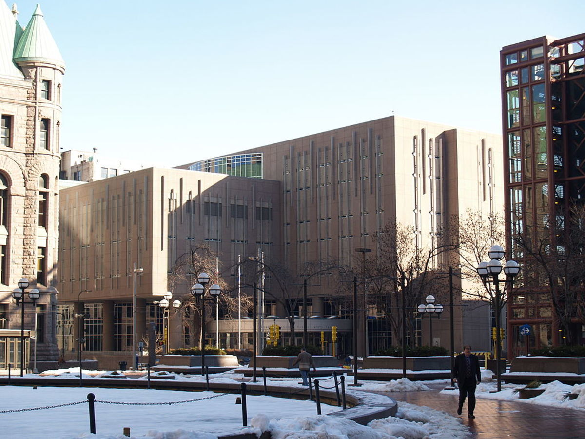 1024px-Hennepin_County_jail