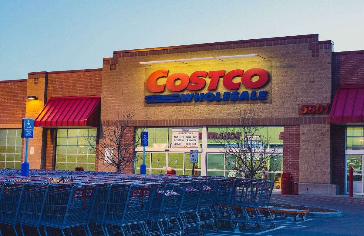 Costco_Wholesale_Store_(34635636926)