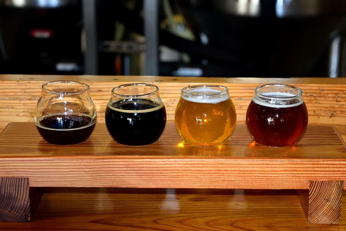 beer-tasting-flight-4599048_1280