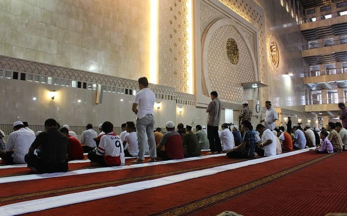 Islam mosque prayer