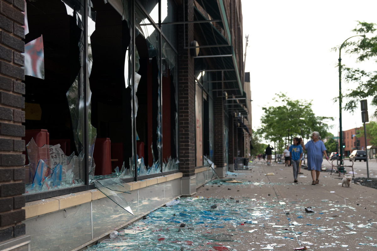 George Floyd, protests, rioting, Minneapolis, Lake Street