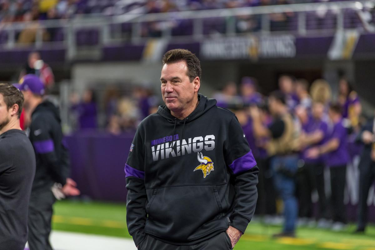 Vikings offensive coordinator Gary Kubiak announces retirement