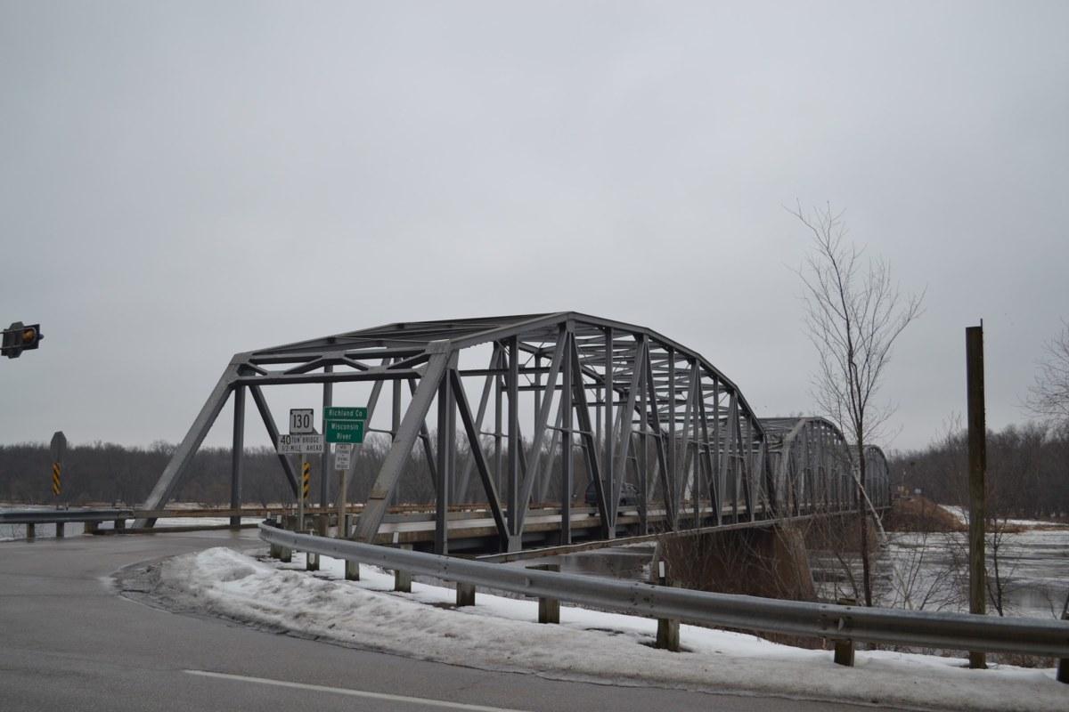 Free historic steel truss bridge in Wisconsin.