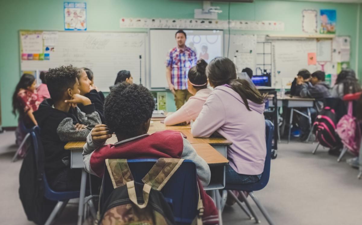 unsplash - classroom students teachers