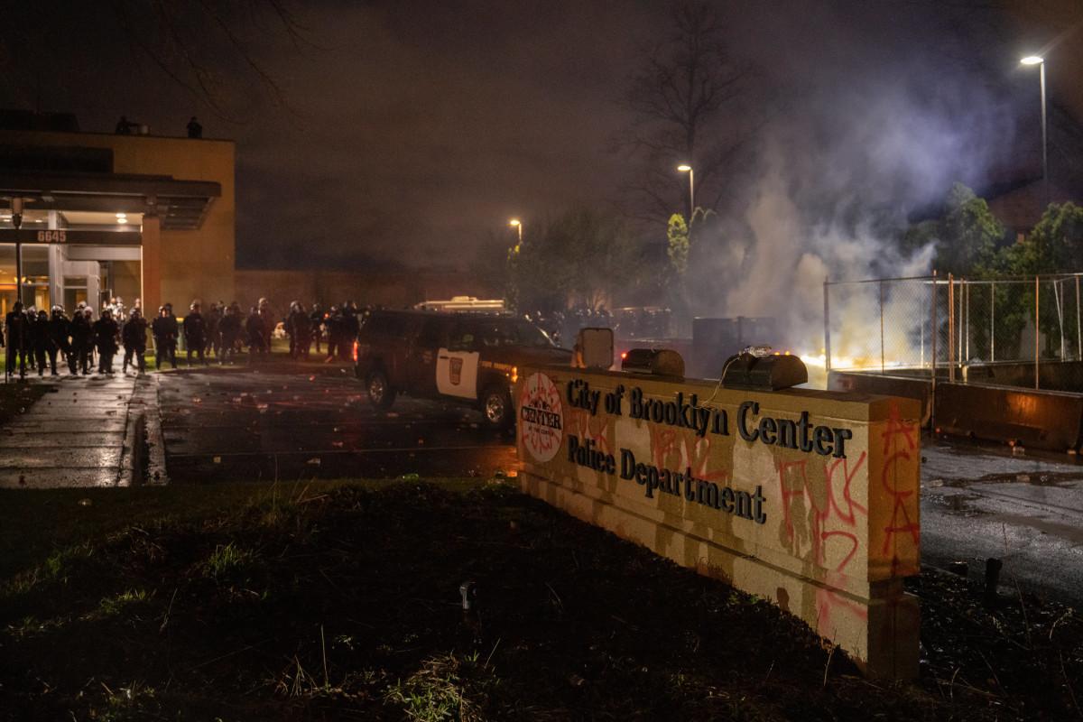 Brooklyn Center police, unrest, Daunte Wright