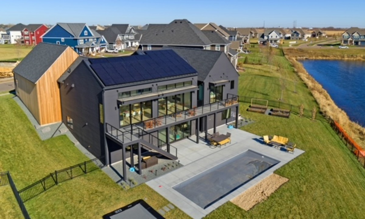 All Energy Solar Black on Black Solar Panels Minnesota