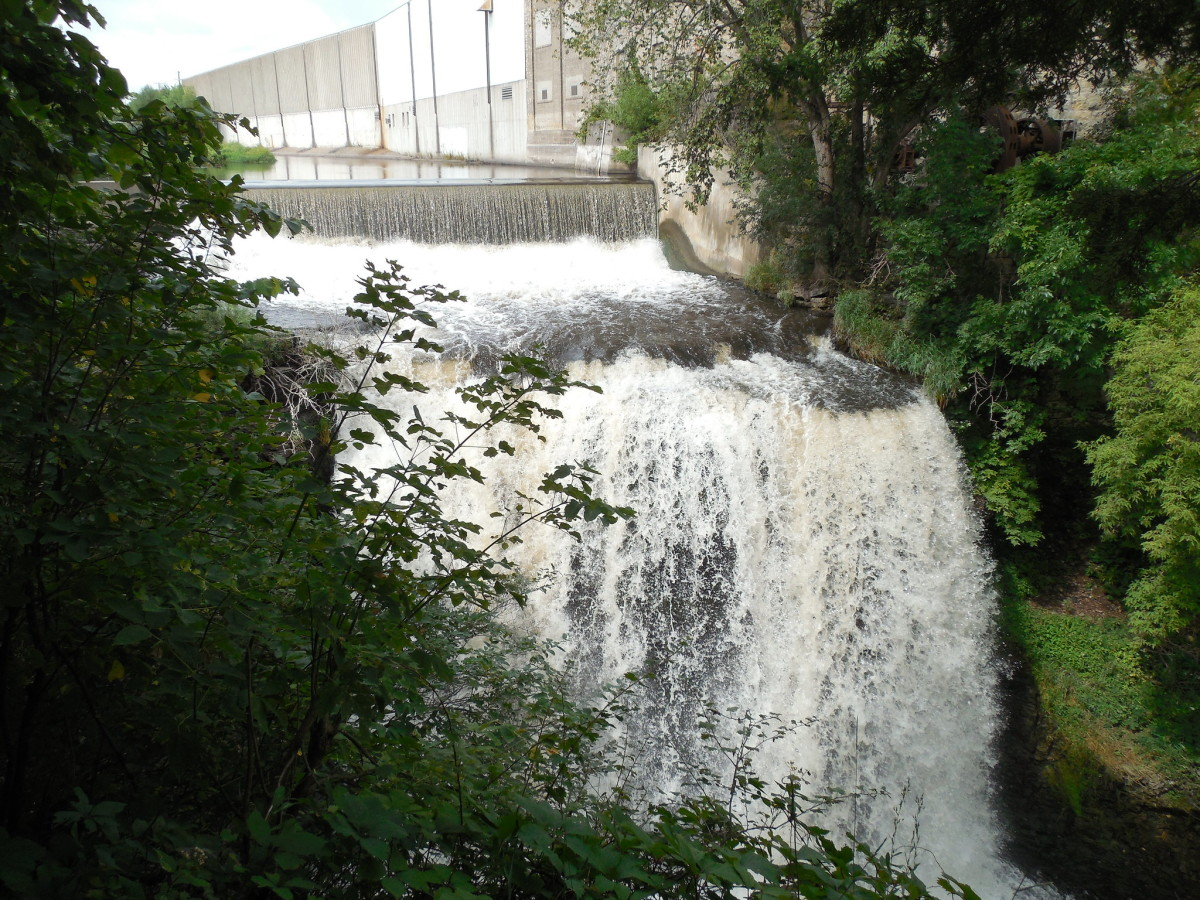 vermillion falls - hastings