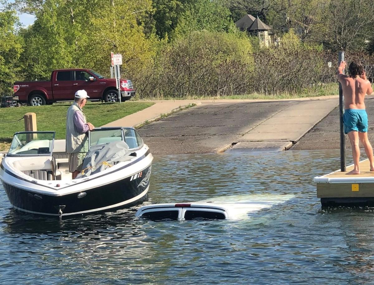 van sunk grays bay boat launch