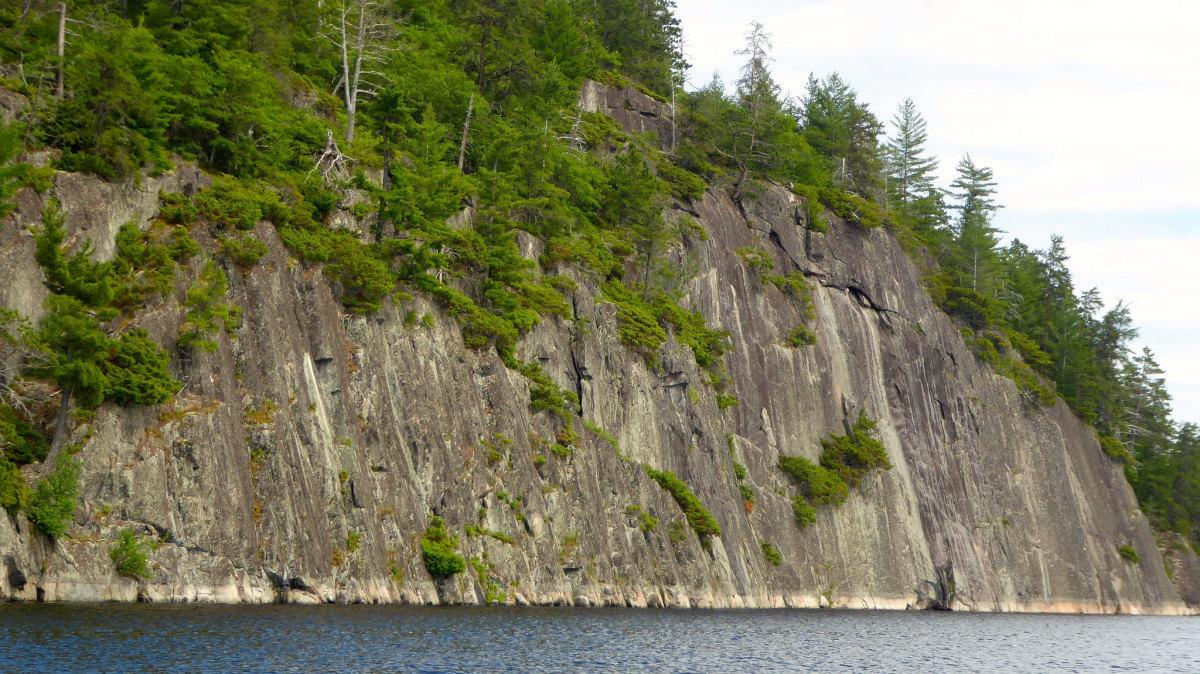 Flickr - Voyagerus rock cliff - Fighting Irish 1977