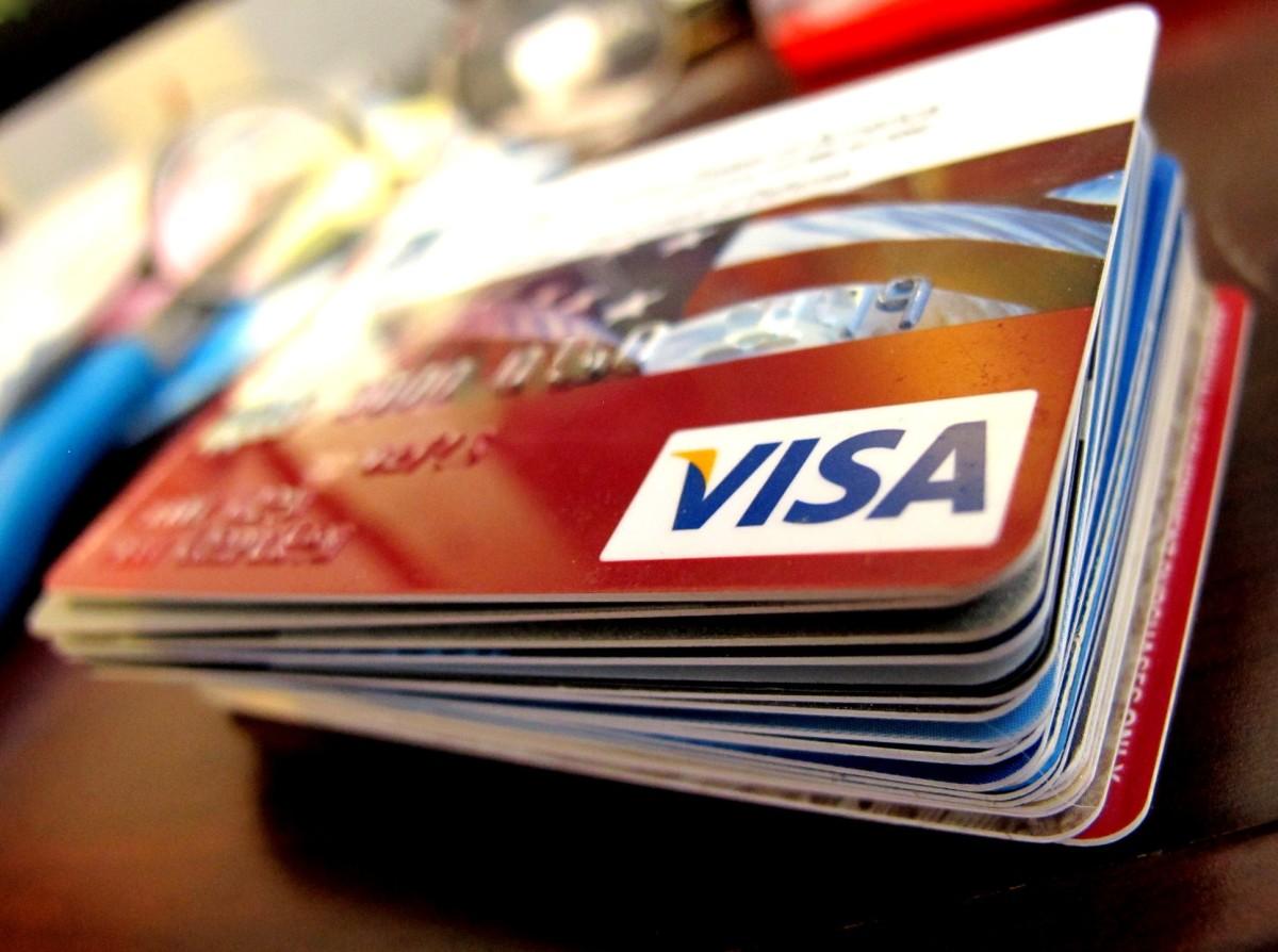 Flickr - Visa cards stack - frankieleon