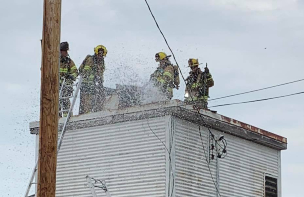 Facebook - Spoons bar grill fire - Duluth Fire Department